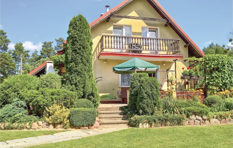 Holiday cottage with 4 bedrooms on 113m² in Stare Jablonki