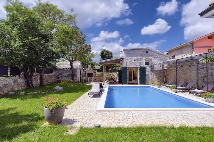 Luxurios Villa with private pool - Bazgalji, Pazin - Hus