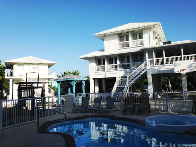 Oceanview Estate only 15 Minutes Key West Airport - Key West - Rumah
