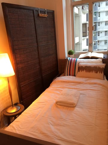 Single cozy Room in SOHO, Central - Hong Kong  - Annat