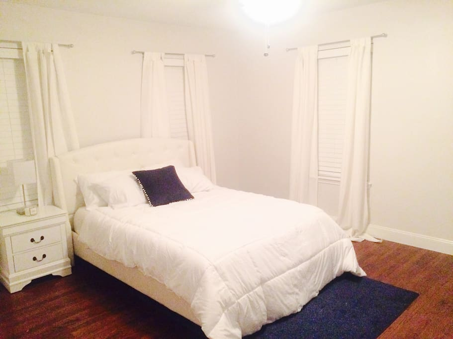 Queen sized bed. Clean spacious room with private entrance.