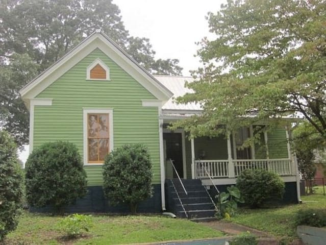 Cozy Athens home in walkable neighborhood.