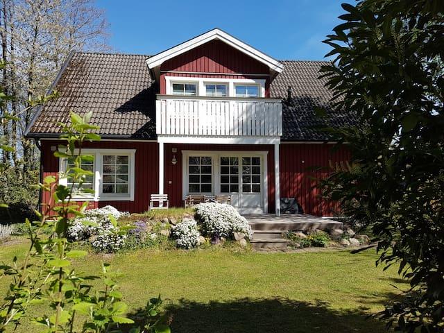 Neues Privatzimmer in gemütlichem Schwedenhaus
