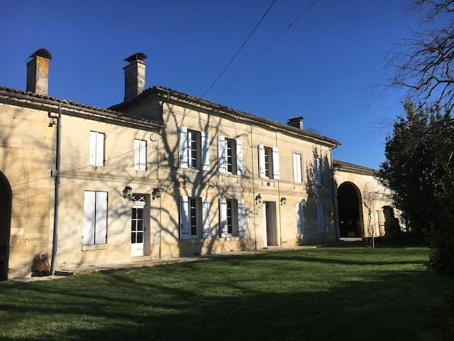 1860 French Farm House Near St Emilion - Saint-Denis-de-Pile - Haus