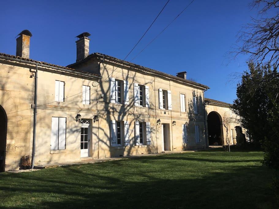 1860 french farm house near st emilion houses for rent in saint denis de pile nouvelle. Black Bedroom Furniture Sets. Home Design Ideas