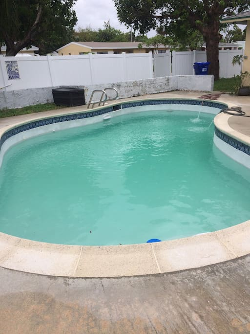 The pool was resufaced in 2017