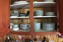 Beaucoup de vaisselles de qualité.
