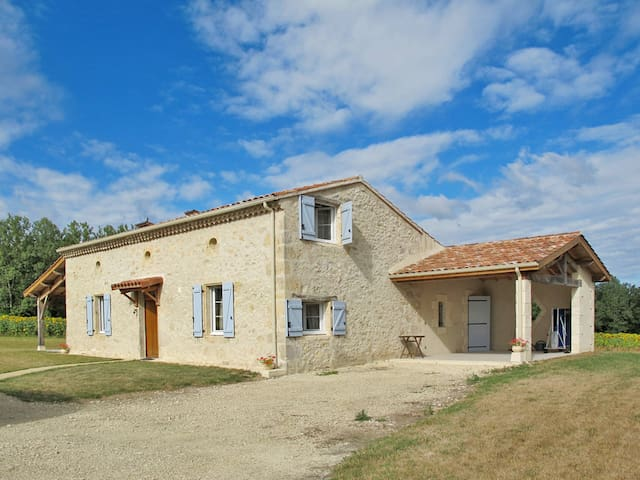 Holiday home in Lannes