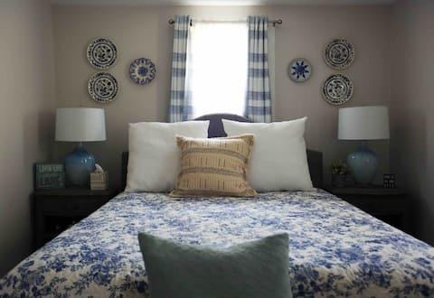 Saratoga Room at Maguire's Great Sacandaga B&B