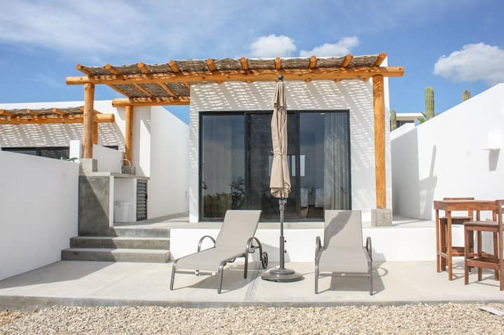EcoFriendly Casita w/ View, Quick Walk to Beach