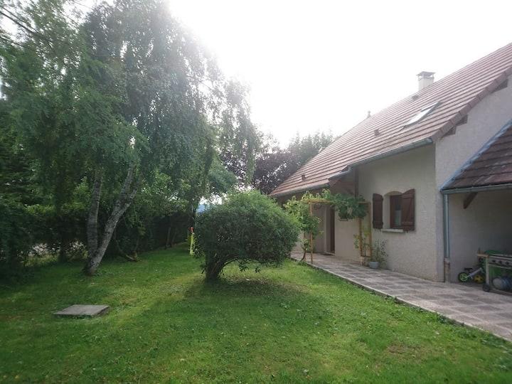 Maison 140m² 7pers - 1000m² de jardin, proche lac