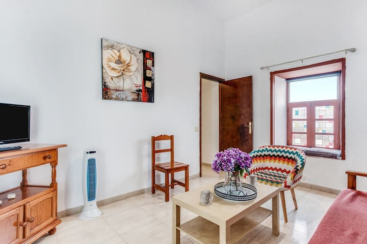 """Beautiful Holiday Home """"Casa del Cuartel I"""" with Wi-Fi, Terrace & Courtyard; Parking Available, Pets Allowed"""