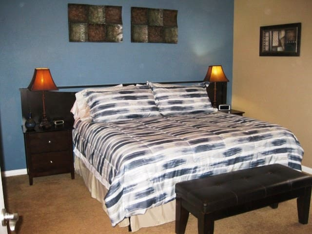 *NO GUEST SERVICE FEE* 2 Bedroom condo in Mesquite #209