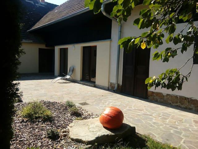 Celá rodinná chalupa na prahu CHKO Třeboňsko