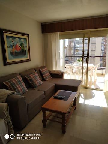 Apartamento impecable en Benidorm próximo a playa.