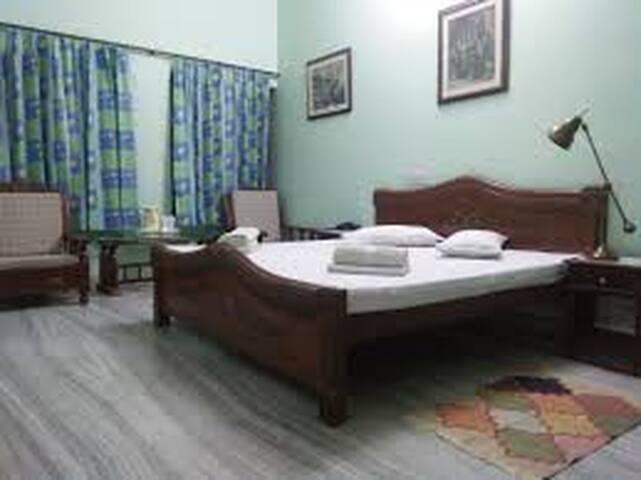 Semi Deluxe Non AC Room