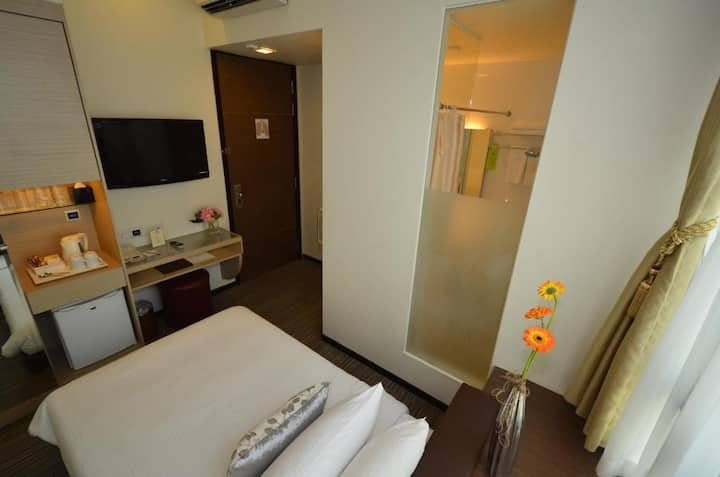 Hotel Superior Single Room in City Center
