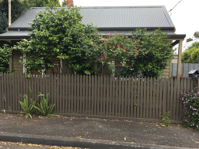 Cosy Old Cottage - Geelong - Hus