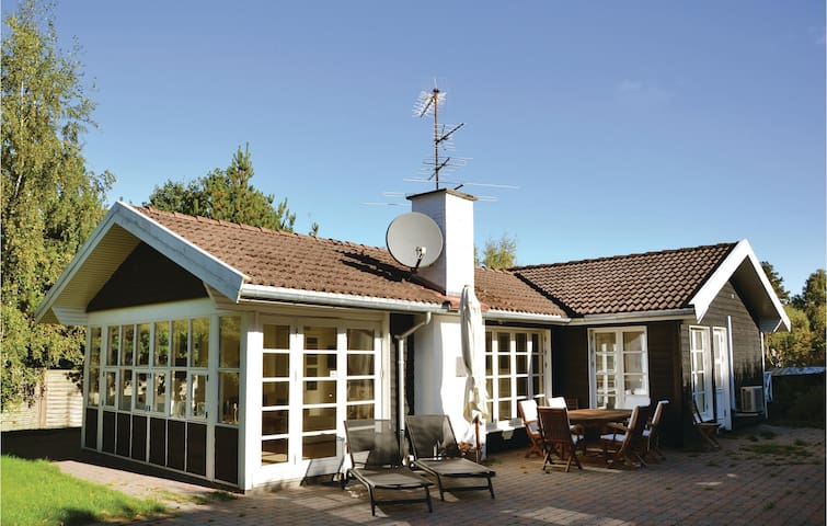 Holiday cottage with 4 bedrooms on 127m² in Hornbæk