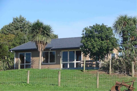Kereru Farmstay - Separate Self Contained Cottage