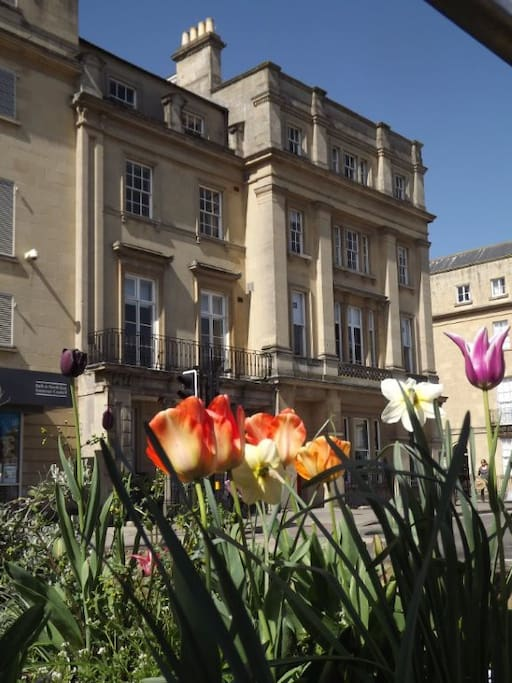 Your two apartments, The Penthouse and Bathwick View, are in this elegant mansion which was built for Earl Manvers in the heart of fashionable Bath. They are situated on the top two floors.