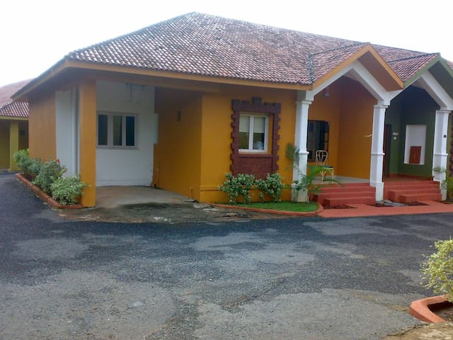 Centrally located home close to Anjuna Beach - Anjuna - Daire