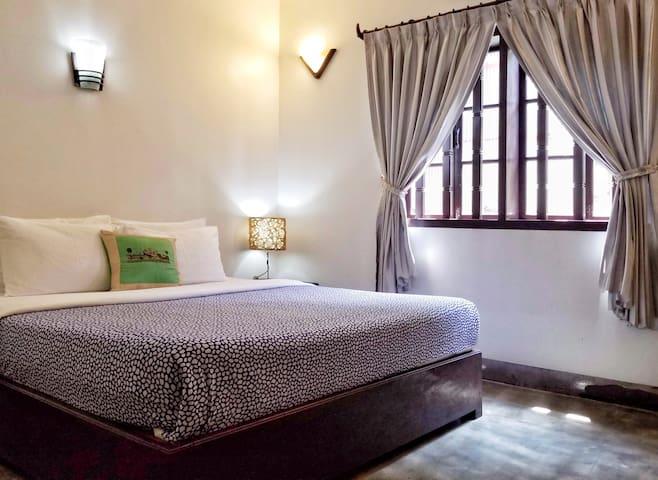 Elegant Double Room  (No-Breakfast)
