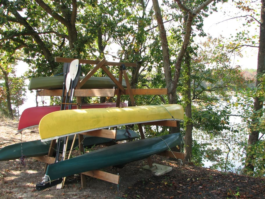 Easy access to river via floating dock.  Use of kayaks, canoes and SUP's  with signed waiver