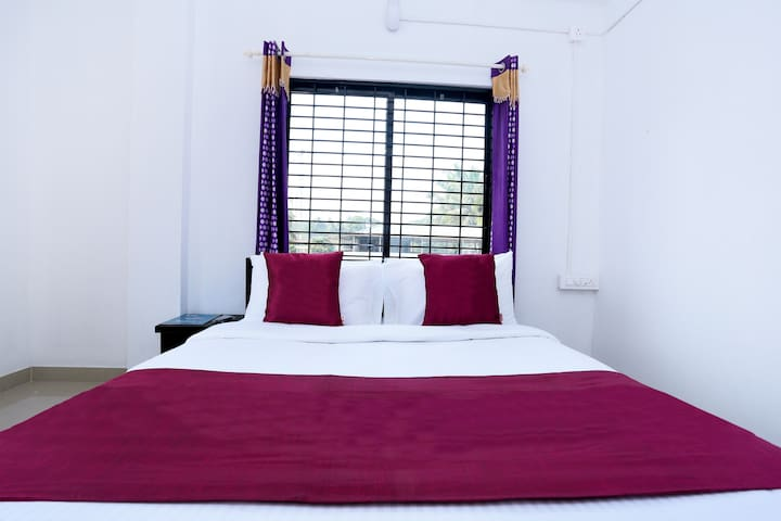 Two deluxe Rooms