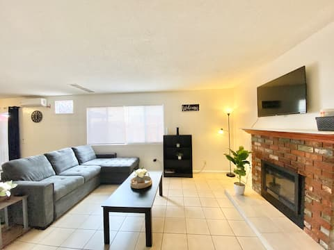 Two BR Condo In Riverside – Shared Pool Available