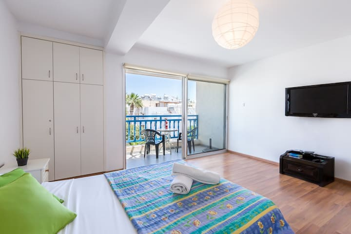 Large Studio Apt | Ayia Napa Centre | WiFi | Pool | Parking (217)