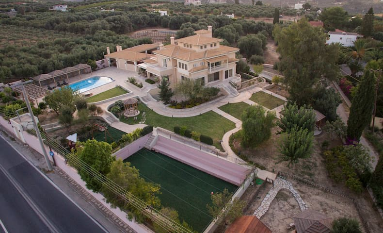 Villa Metaxas - Iraklion - Huvila