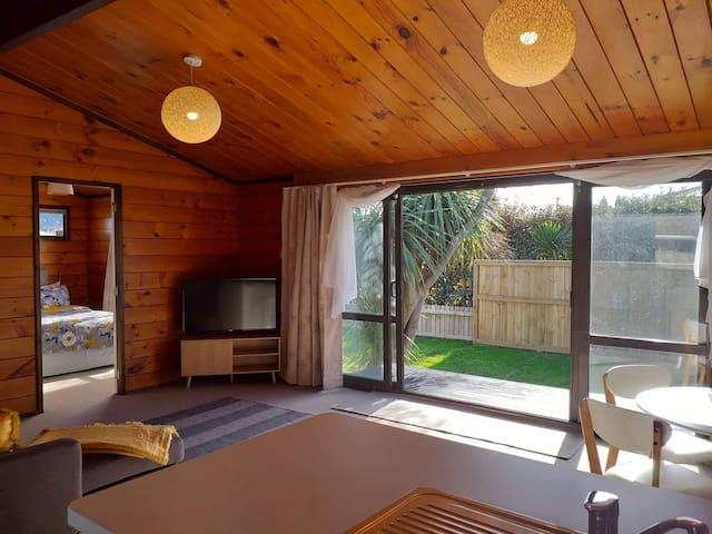 Refurbished lockwood home central Rotorua