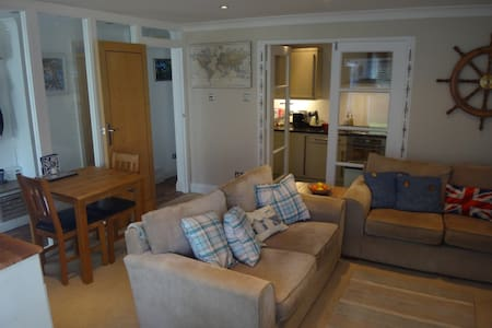 A sea side break location - Bournemouth - Apartment