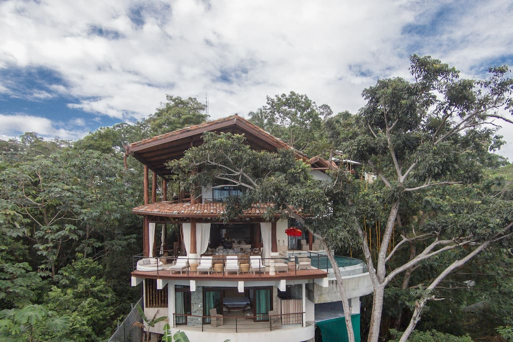 The tree house newly constructed 4 bedroom villa villas for Villas for rent in costa rica