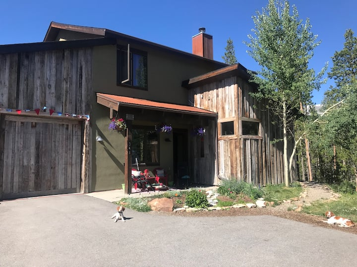 *Holiday in the Mtns* Family-friendly in Breck!