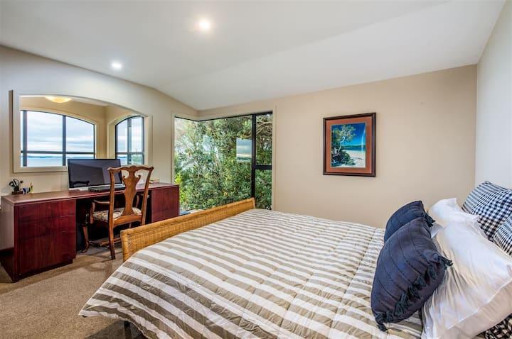 房间一 航海家之梦   Red Beach  短期度假  游学 最佳选择顶层