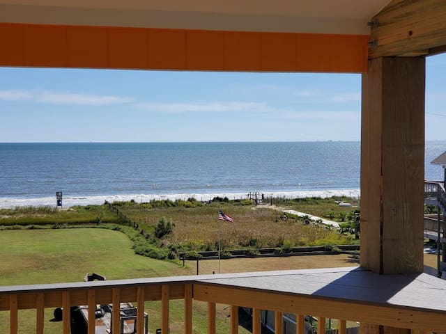 Heavenly View! Sleeps 30! Pet & kid friendly!