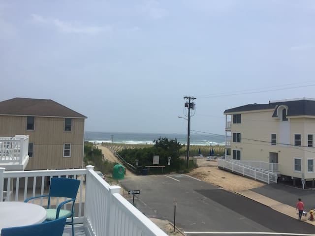 SHIP BOTTOM LBI HOME WITH OCEAN VIEWS PRIVATE POOL