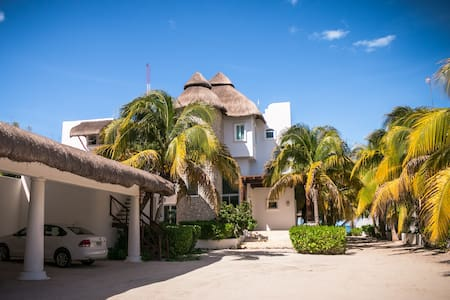 Beautiful Home by the Beach!!
