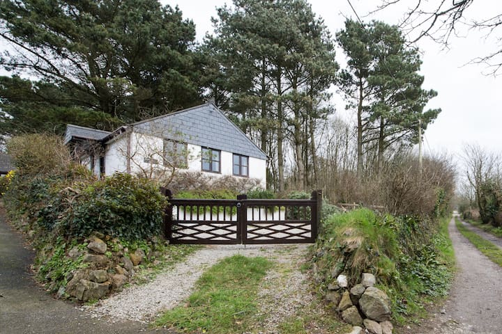 Cottage, near St Agnes, Cornwall - Mount Hawke, St Agnes - Banglo