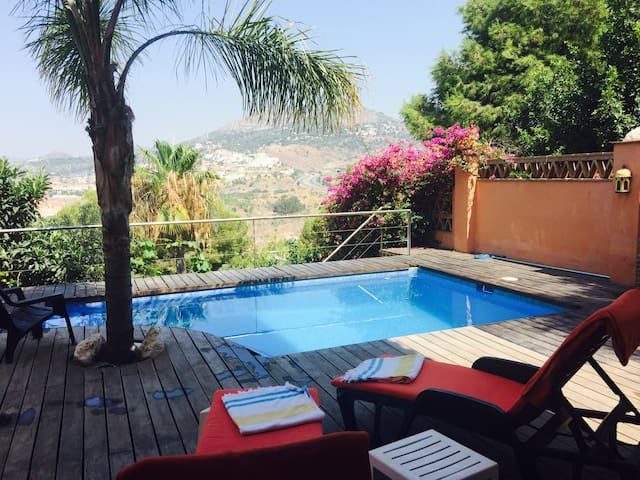 Beautiful Accommodation with Private Pool, Málaga
