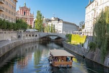Best views to the main square in Ljubljana and a drive through all the bridges in Ljubljana