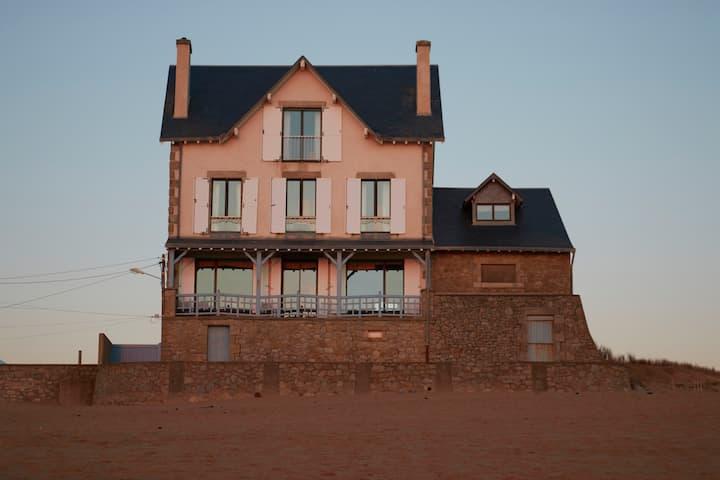 Situation exceptionnelle, maison sur la plage