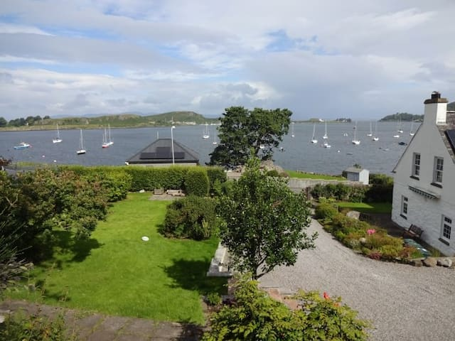 Carding Mill - 1 bed apartment with Oban Bay view
