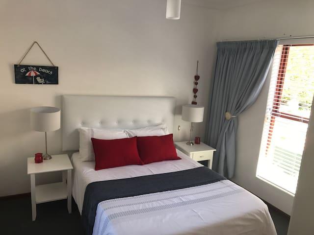 Owl Cottage 1 bed full Dstv - Onrus - Apartmen