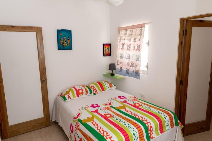MOPA'S HOUSE-HABITACION DOBLE CON BAÑO INTERNO
