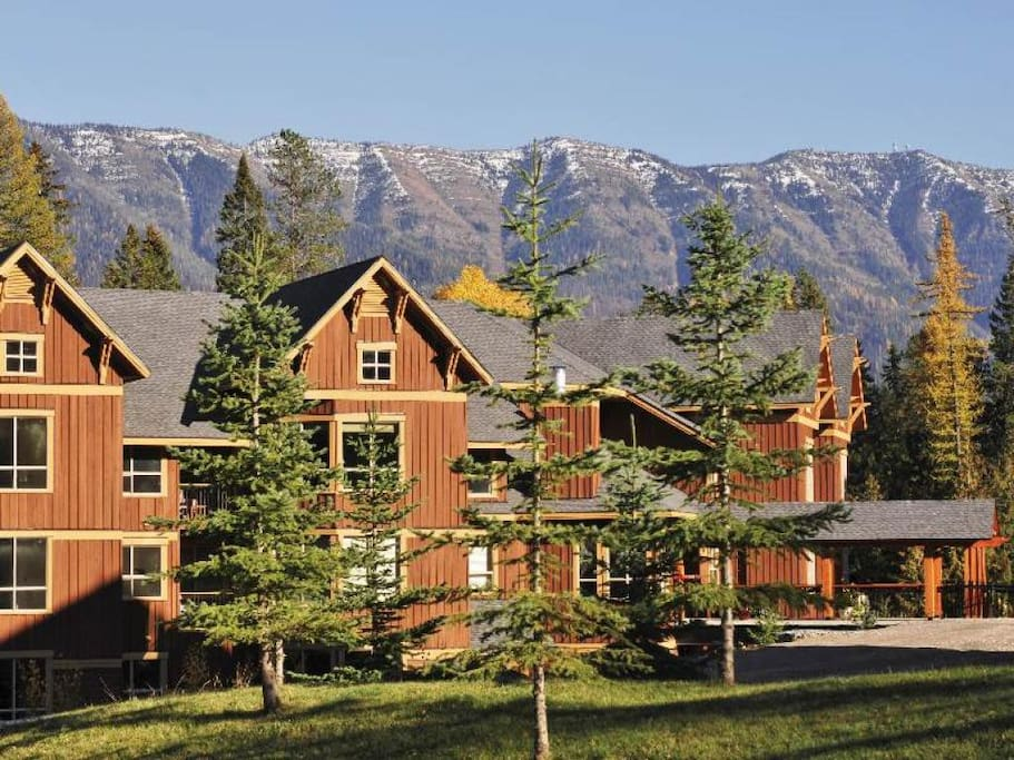 Timberline Lodges Juniper Lodge Exterior 2