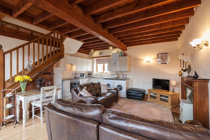 No 7 The Granary , two bedroom cottage , near York