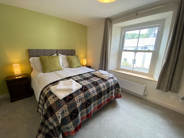 Bedroom 2. King or Twin